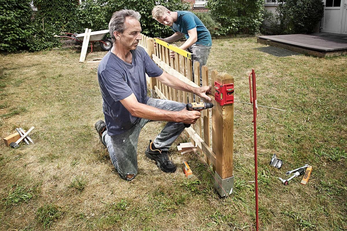 Gartenzäune bauen